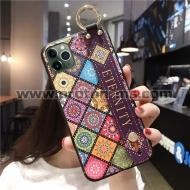Луксозен Кейс за iPhone 7 / 7S / 8 Wrist Strap Soft TPU Cases Cover